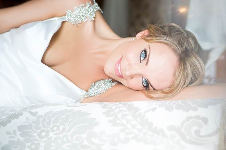 Anna Whitsunday wedding makeup